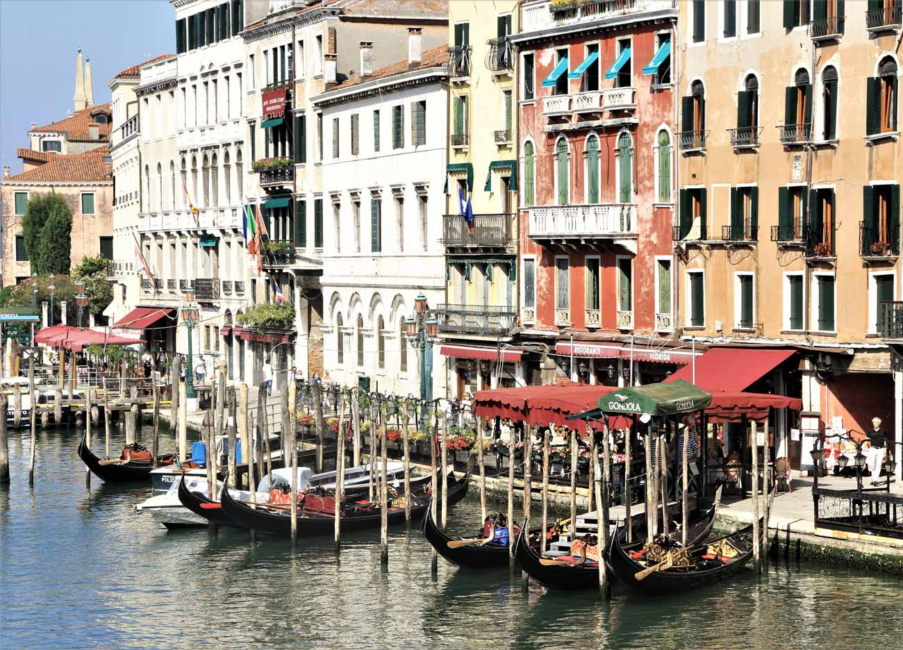 In Italia con Welcome Piemonte - Venezia - Canale con gondole